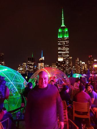230 FIFTH ROOFTOP BAR NYC: Vista Do Empire