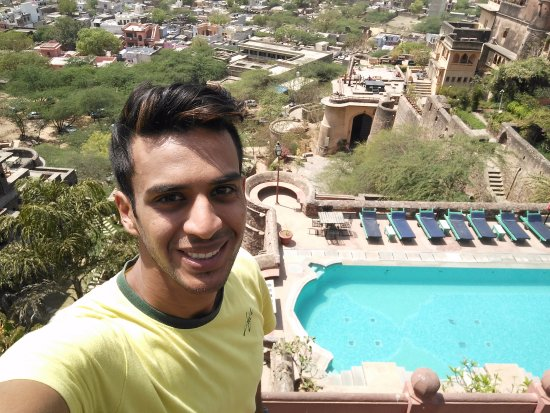 Flying Fox Neemrana: selfie with a beautiful view