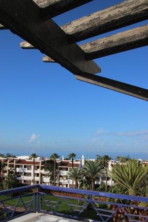 Golden Beach Appart-Hotel : Terrasse où l'on peut déjeuner