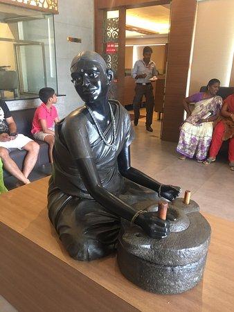 Thalappakatti Naidu Biriyani Hotel: photo0.jpg