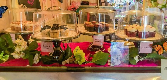 Washington, NJ: some of the cupcake desserts for which the cafe is named and the reason for the cafe