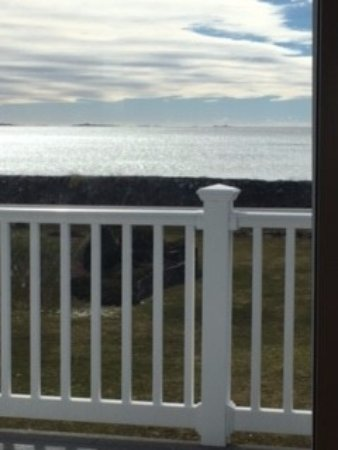 Hoyt's Lodges: Another view of the ocean from the room.