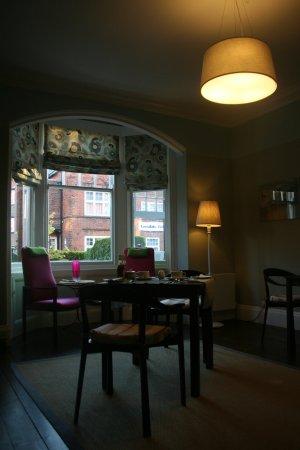 Shorehouse B&B: breakfast room
