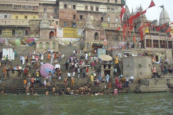 Mahendra Travel: Varanasi - il luogo più mistico al mondo