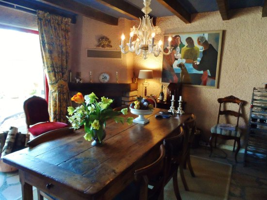 Kitchen Dining Table Picture Of Jan S Place In Burgundy