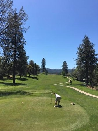 Groveland, CA: one of the holes at the course