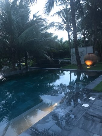 Four Seasons Resort The Nam Hai, Hoi An: Hotel suite e food