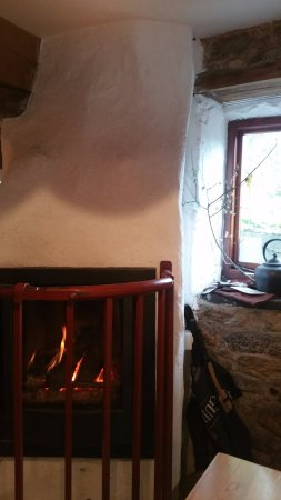 St Mullins, Irlanda: the fire that warms and welcomes even the wettest and most miserable visitor