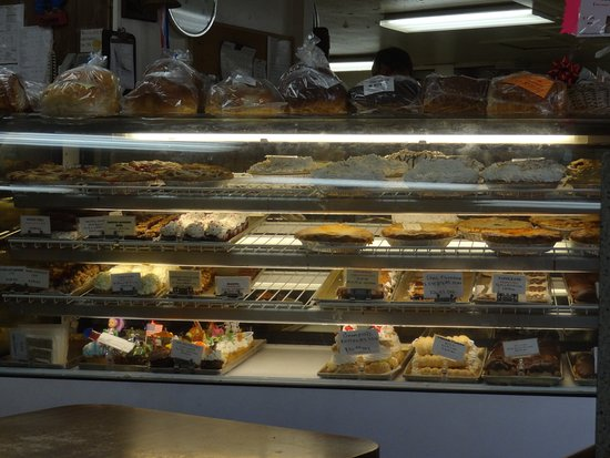 Cottage Bakery and Delicatessen: A portion of the front counter and the bakery items.