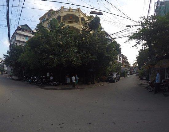Anise Hotel: Vista frontal do Hotel