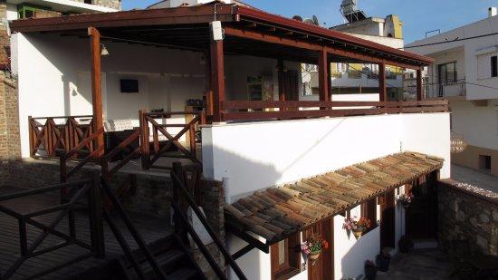 Amazon Petite Palace Photo