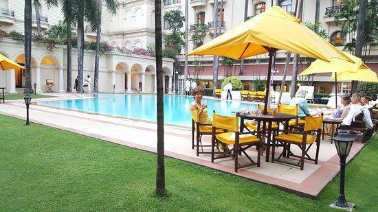 The Oberoi Grand: Fabulous, peaceful pool area