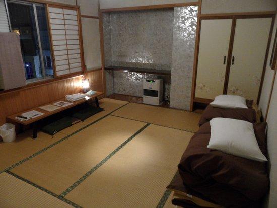 chambre style japonais avec futon picture of the. Black Bedroom Furniture Sets. Home Design Ideas