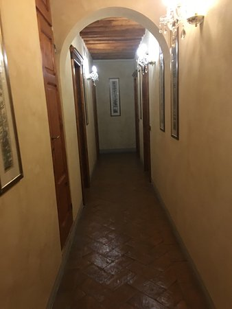 Palazzo al Torrione 2: The hotel is in good location, fills warm and welcome