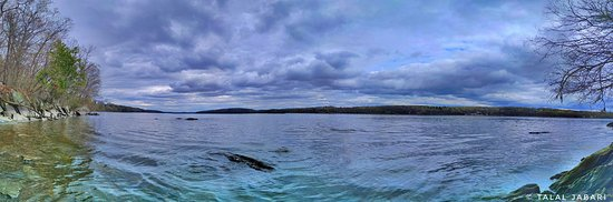 Esopus, NY: Pano of the Hudson River