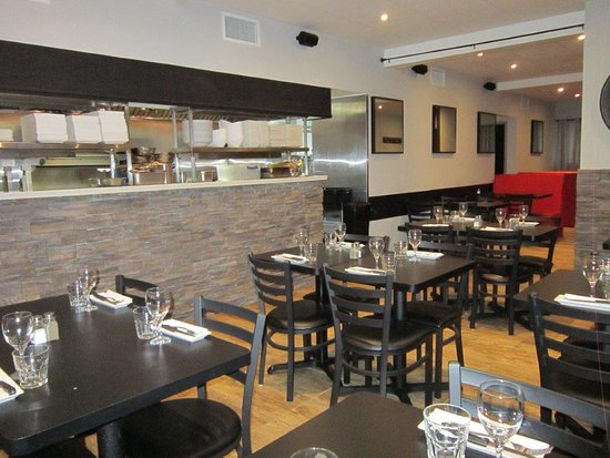Salle A Manger Cuisine Picture Of Restaurant Sizzle Montreal