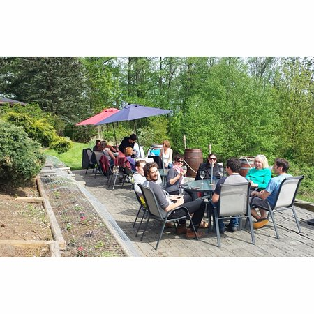 Langley City, Canadá: Patio Season