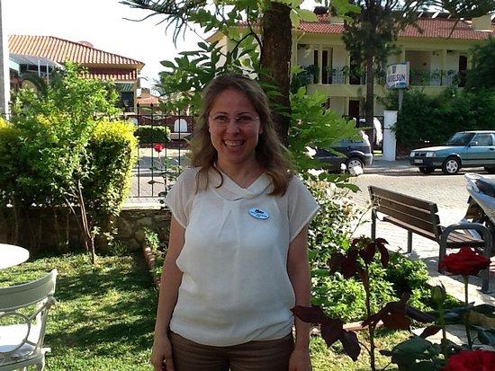 Belcehan Delux: Hacer hotel receptionist