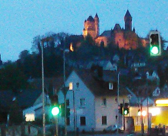 Braunfels, ألمانيا: Der Blick auf das Schloss bei Nacht