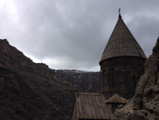 nestled in the mountains ウランバートル ガンダンテクチェンリン