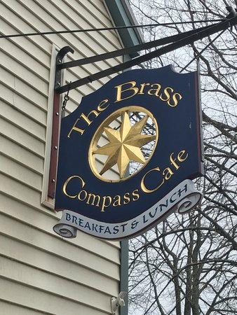 Brass Compass Cafe : Restaurant sign