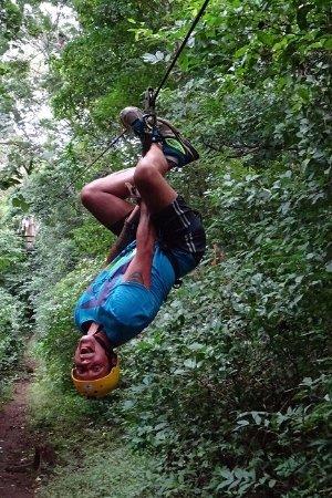 Pinilla Canopy Tour: upside down !