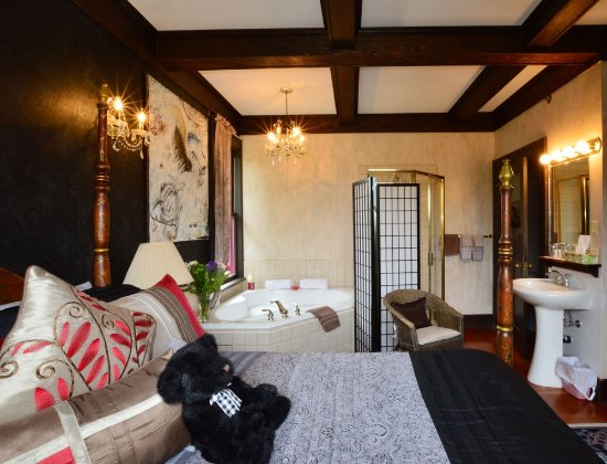 marketa 39 s bed and breakfast updated 2017 b b reviews price comparison victoria canada. Black Bedroom Furniture Sets. Home Design Ideas