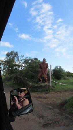 Barla Inn: una escultura extraña en un camino interior