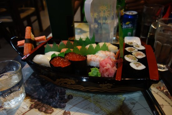Digos City, Filippine: 寿司舟盛り