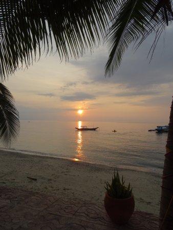 Sunset at Aninuan Beach Resort: photo0.jpg