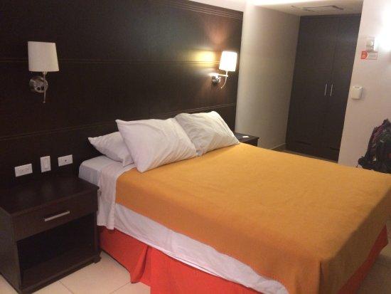 City House Soloy & Casino: quarto são bons mas a limpeza razoável
