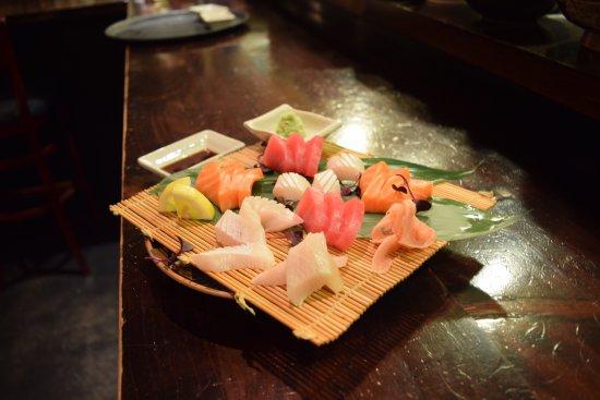 Yakitori Daruma Japanese Sake Bar : Awesome Sashimi!!