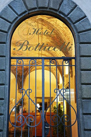 Botticelli Hotel : Hotel Botticelli in Florence - Photo By: DeCiccophoto.com