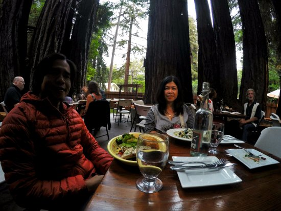 Ben Lomond, CA: Dining with nature, good food and good service