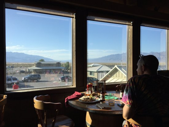 Stovepipe Wells Village Hotel: Stovepipe Wells Hotel - saloon
