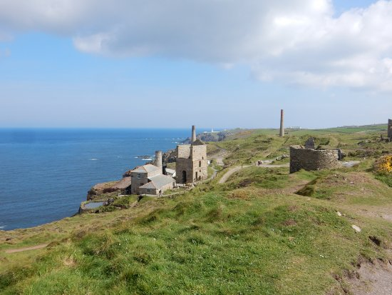 Pendoggett, UK: Engine Houses outside St. Just, Cornwall, England
