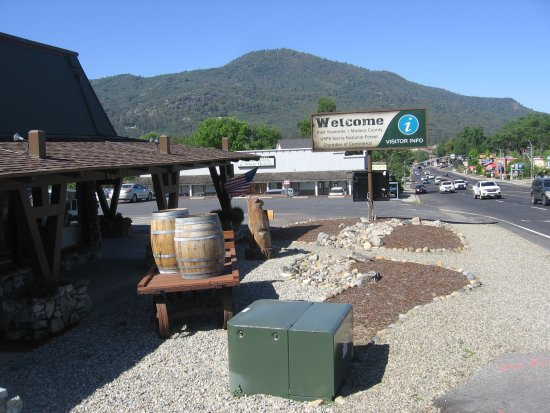 Visit Yosemite Madera County Main Visitors Center