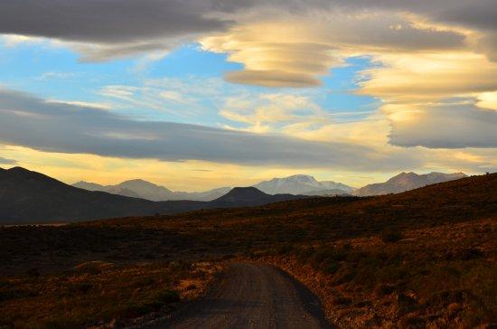 Chos Malal, Argentinien: El viento hace esas formas en las nubes.