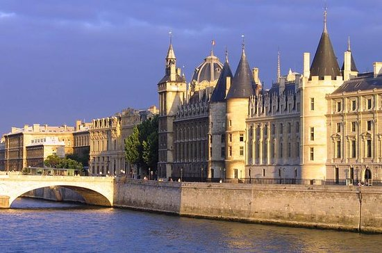 Skip the Line: Paris Conciergerie Entry Ticket