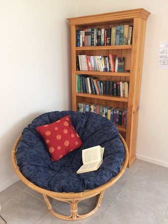 Chinchilla, Australia: Relax with a book