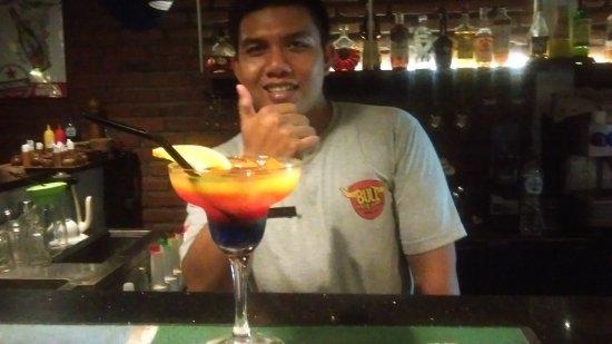 Putu Bali Villa and Spa: Cocktails at the bar