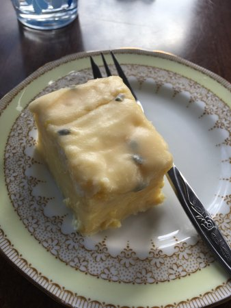 Morrinsville, New Zealand: Enjoyable brunch at Cafe Frock. Focaccia and passion fruit slice were very tasty