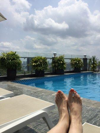 EdenStar Saigon Hotel: Rooftop swimmingpool