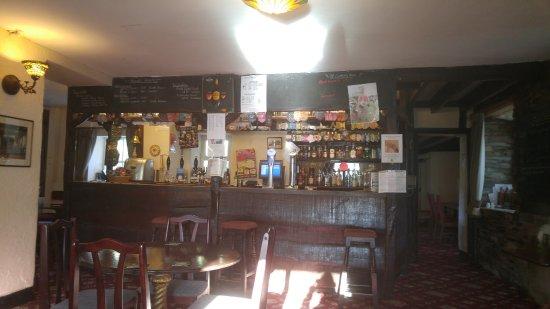 Kirkby in Furness, UK: Bar at Greyhound Inn