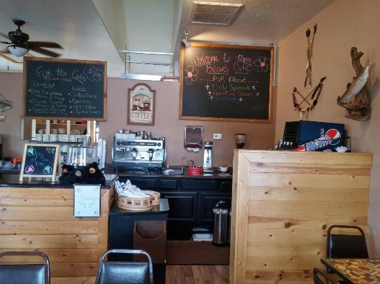 Heber, AZ: A View of the Front Counter and Menu Board at Three Bear's Cafe