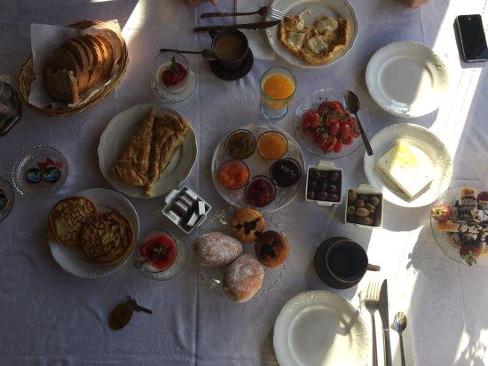 Αργυρω: The most incredible breakfast in hotel I've ever had:-)