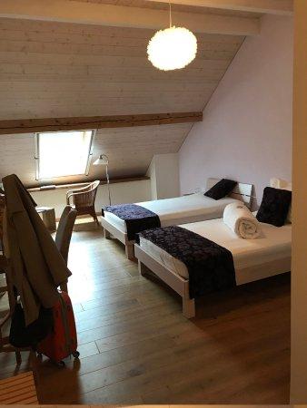 Chambre sous les combles - Bild von La Commanderie, Cossonay ...