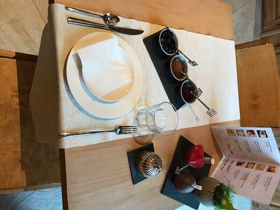Cossonay, Switzerland: petit déjeuner