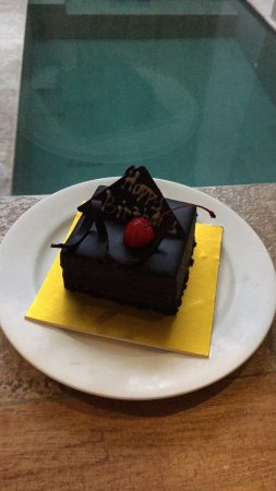 Villa Kayu Raja: It is the little things that matter. Thanks for the Cake!!!