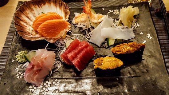 Pully, İsviçre: Sushi